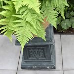 Antieke vintage plantenzuil zink