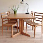 vintage retro eetkamerstoel tafel stoel Deens Niels Otto Møller